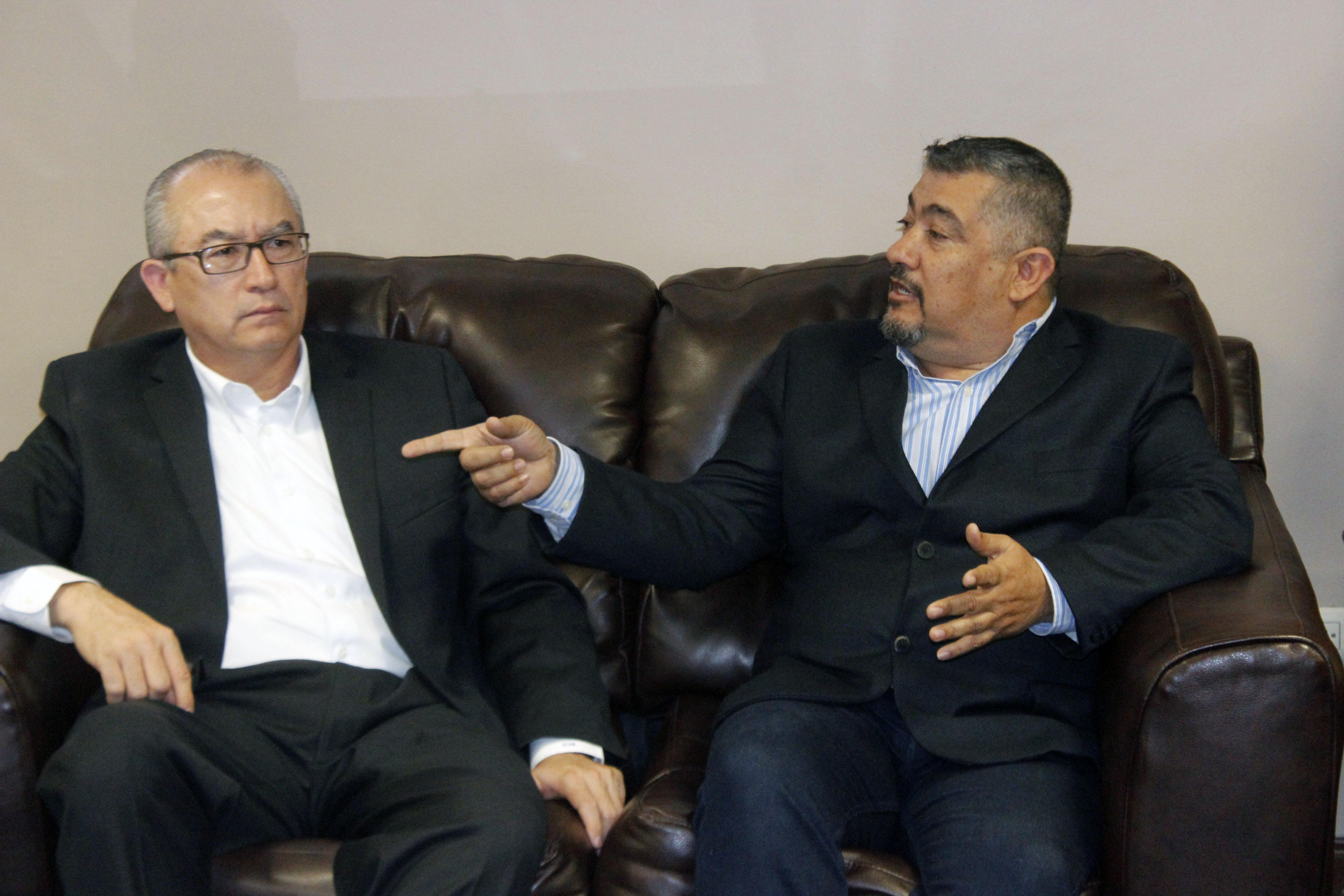 Acuerdan Alcalde y el Secretario de Salud combate a la Rickettsia y equipar el Hospital General de Agua Prieta
