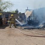 Incendio deja a familia sin casa.
