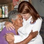Reciben apoyo en láminas familias aguapretenses por DIF