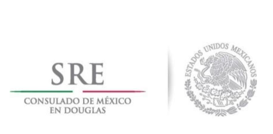 El Consulado de México en Douglas abre un libro de condolencias.