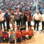 ENTREGA DIF ÚTILES ESCOLARES YMOCHILAS A NIÑOS Y ADOLESCENTES DE AGUA PRIETA