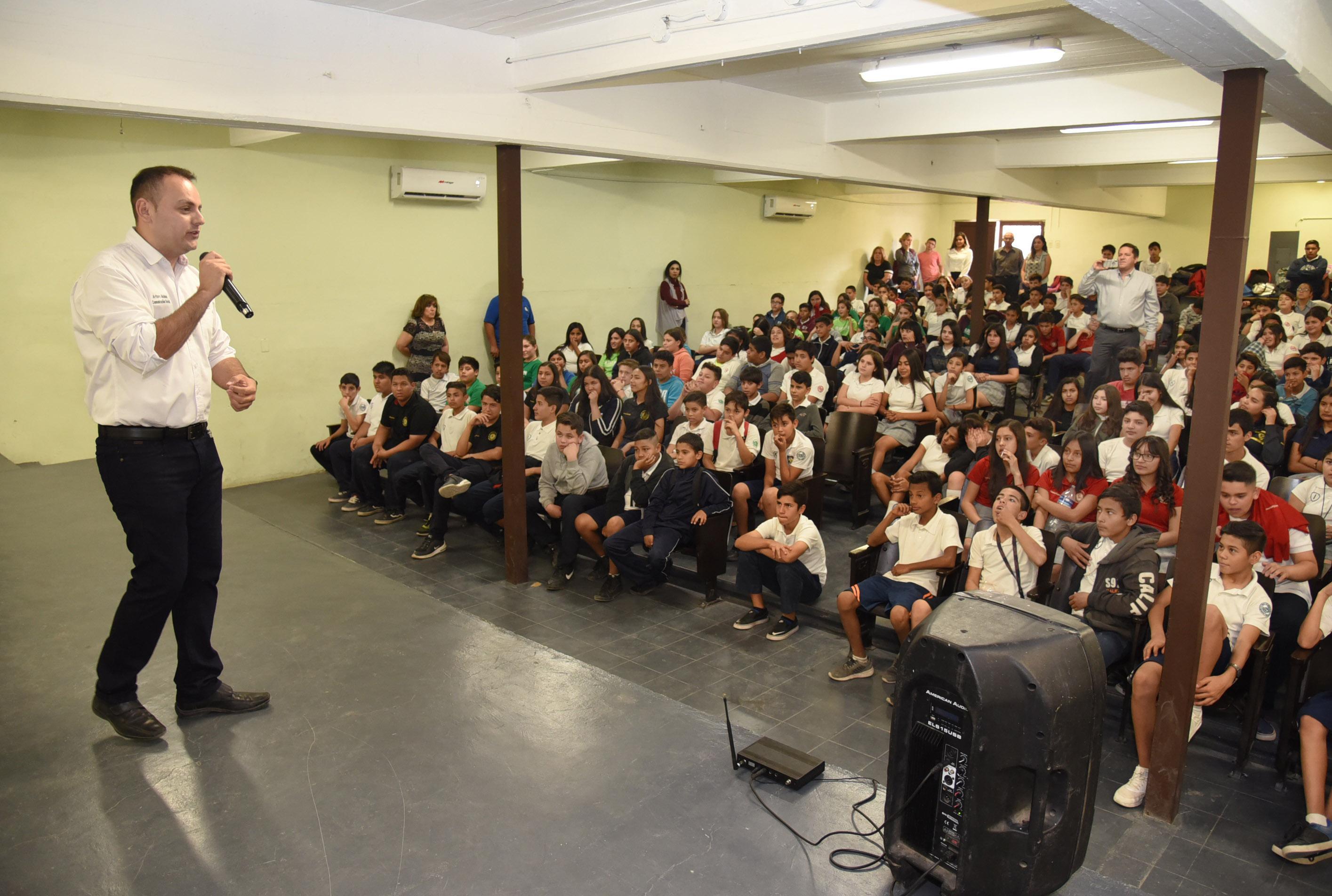 LLEVA DIRECCIÓN DE PREVENCIÓN DEL DELITO INFORMACIÓN SOBRE ADICCIONES A ESTUDIANTES EN HERMOSILLO.